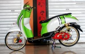 Modifikasi Honda Scoopy (1)