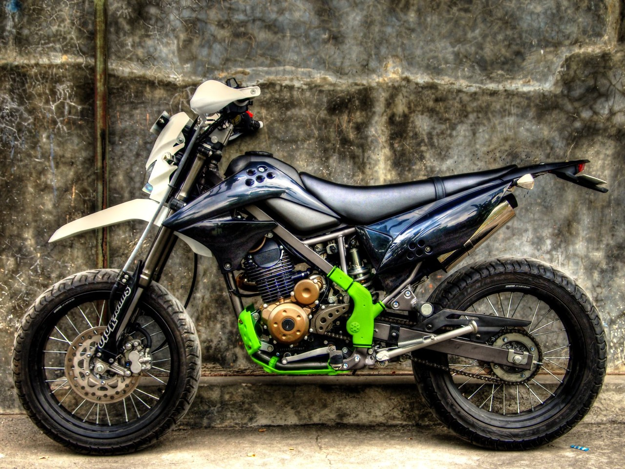 Modifikasi KLX 150 Supermoto